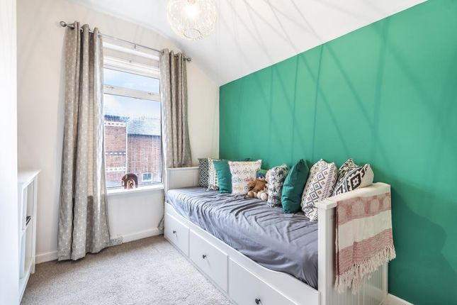 Bedroom of Reading, Berkshire RG30