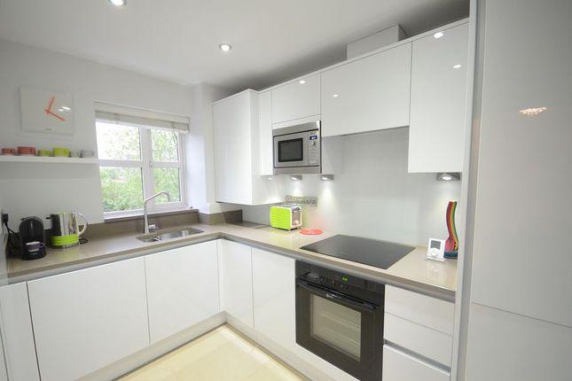 Thumbnail Flat to rent in Elliots Way, Caversham, Reading