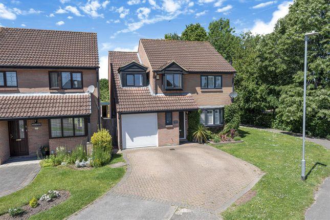 5 bed detached house for sale in Heron Road, Wokingham, Berkshire RG41
