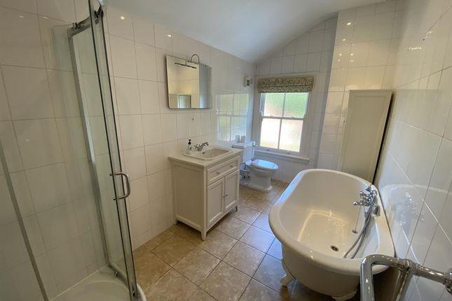 Bathroom of Hartledon Road, Birmingham B17