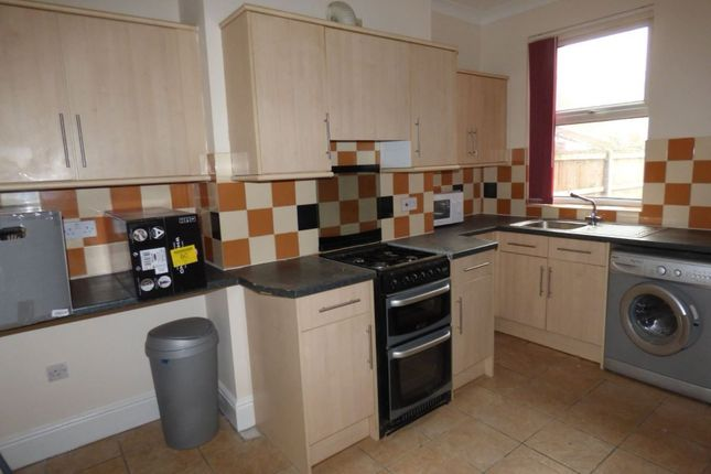 Thumbnail Semi-detached house to rent in Carr House Road, Hyde Park, Doncaster