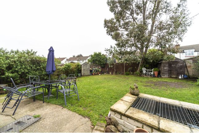Garden of Woodside Court Road, Croydon CR0