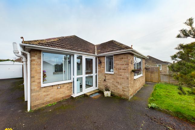 Thumbnail Detached bungalow to rent in Ashcroft Road, Banbury