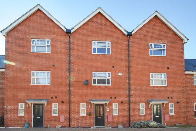 Thumbnail Property for sale in Lenz Close, Colchester