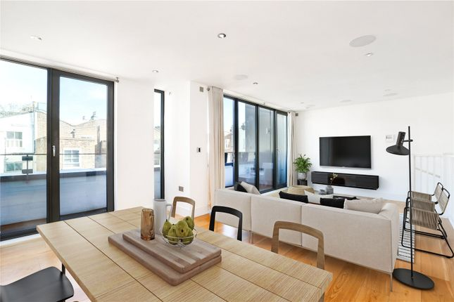 Thumbnail Terraced house for sale in Munro Mews, London