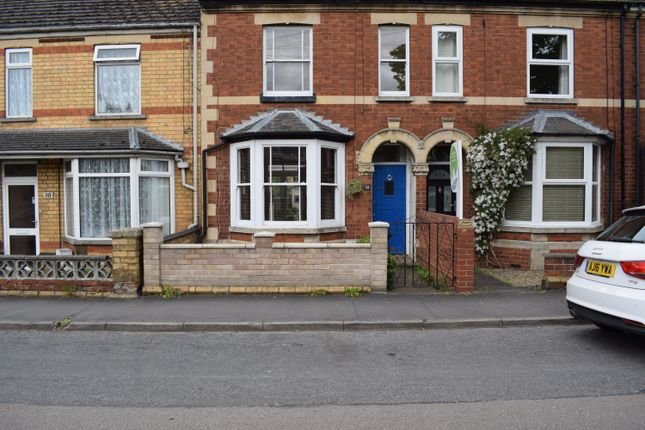 3 bed terraced house to rent in Kings Road, Stamford