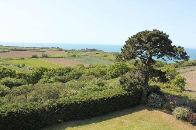 Thumbnail Property for sale in 35260, Cancale, France