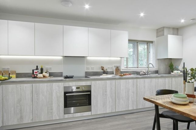 Thumbnail Flat for sale in Crofton House, Tower View, Kings Hill, Kent