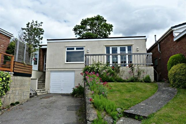3 bed detached bungalow to rent in St. Martins Gardens, Knowle, Bristol