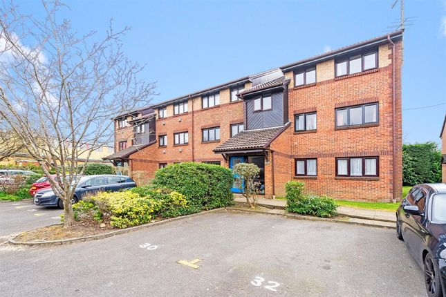 2 bed flat to rent in The Goodwins, Tunbridge Wells TN2