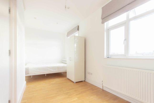 Thumbnail Room to rent in Room 4, Lexden Road