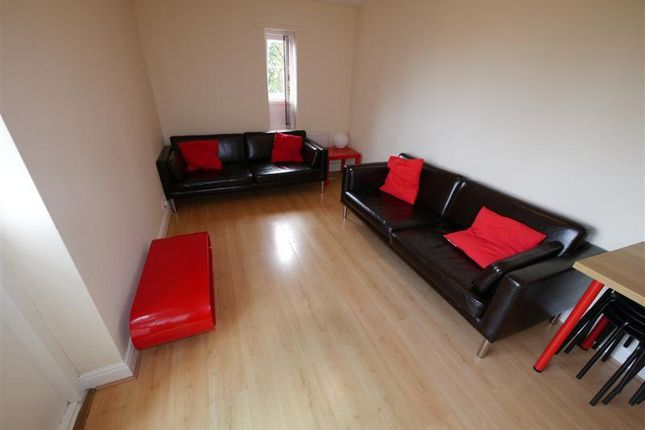 Thumbnail Flat to rent in Victoria Street, Leeds