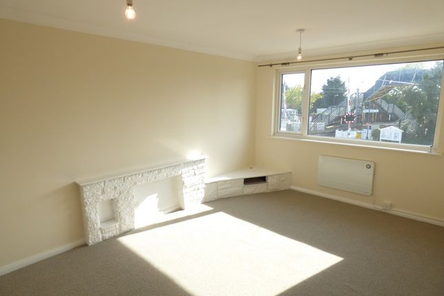 Thumbnail Flat to rent in Alresford, Colchester