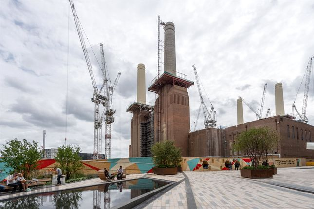 Thumbnail Flat for sale in Battersea Power Station, Switch House West, Nine Elms, London