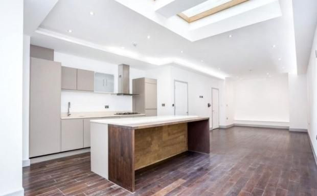 Thumbnail Terraced house for sale in Westbere Road, London