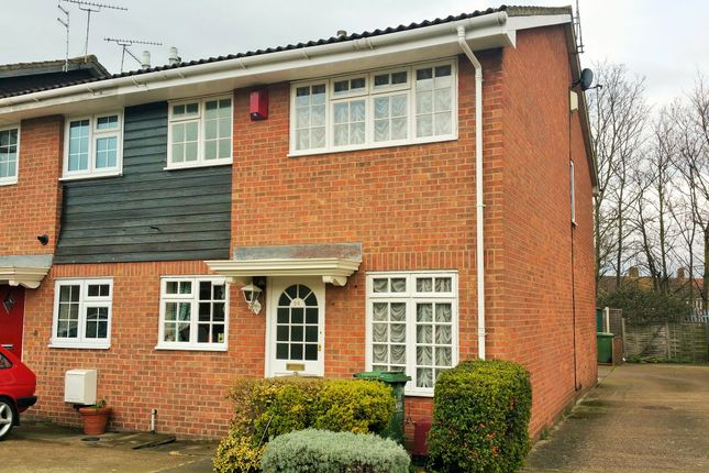 Thumbnail End terrace house to rent in Guild Road, Erith