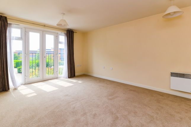 Flat to rent in Alma Road, Banbury