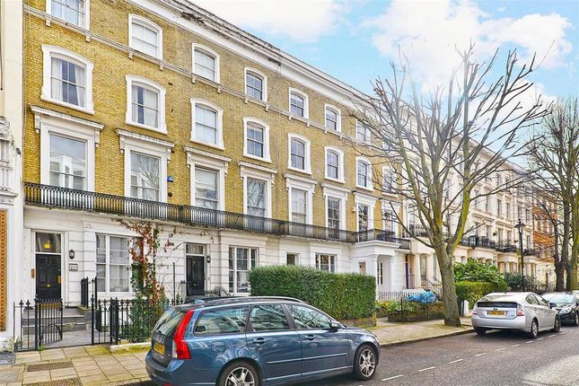 2 bed flat to rent in Belgrave Gardens, London NW8