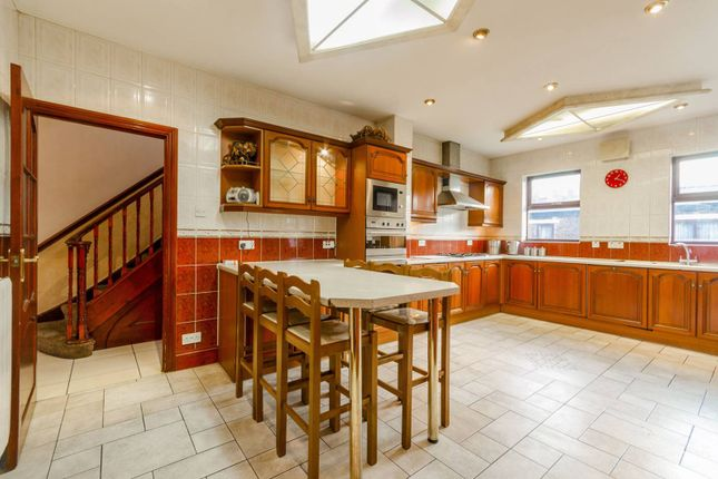 Thumbnail Semi-detached house to rent in Windsor Road, Forest Gate