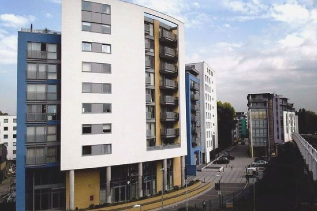 Thumbnail Flat to rent in Deals Gateway, London