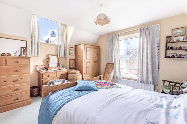 Picture No. 07 of Sun Hill Crescent, Alresford, Hampshire SO24