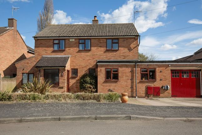 Thumbnail Detached house for sale in Stannells Close, Luddington, Stratford-Upon-Avon