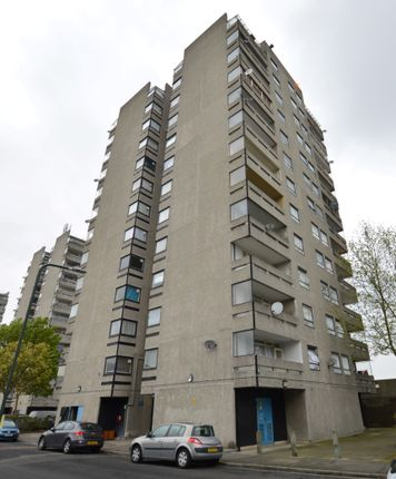 Thumbnail Flat for sale in Penton House, Hartslock Drive, Thamesmead, London