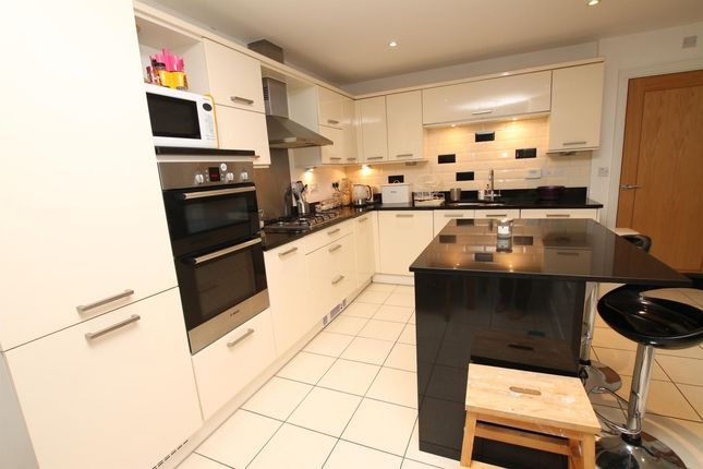 Thumbnail Town house to rent in Madison Close, Sutton