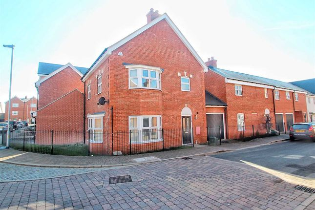 Thumbnail Link-detached house for sale in Lenz Close, Colchester
