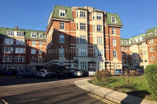 Haven Green, Ealing, Greater London. W5