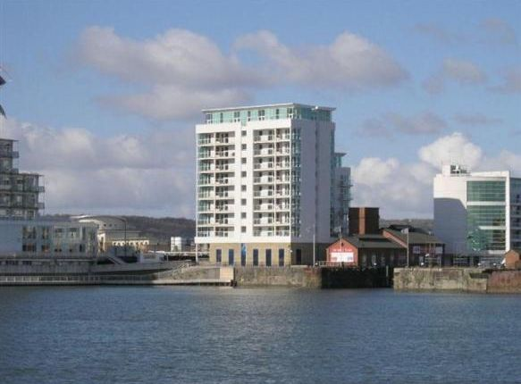 Flat for sale in Havannah Street, Cardiff