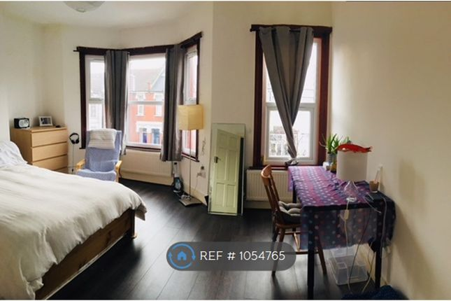 Thumbnail Terraced house to rent in Springfield Road, London