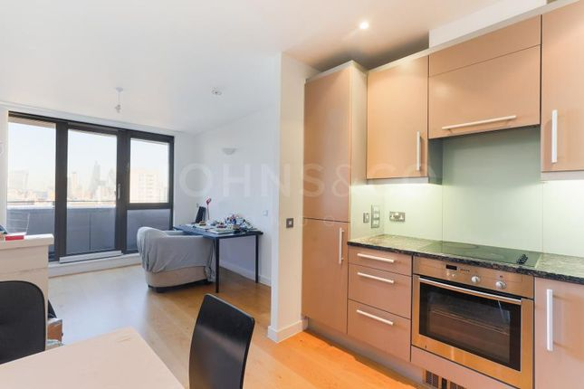 1 bed flat to rent in Spencer Way, London