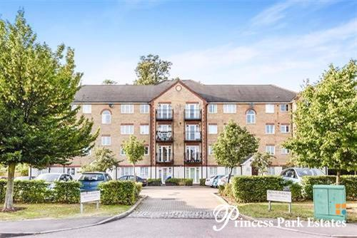 Thumbnail Flat for sale in Ribblesdale Avenue, London