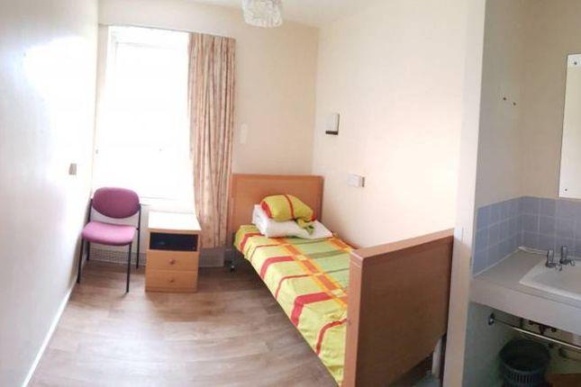 Thumbnail Room to rent in Crossfell, Bracknell