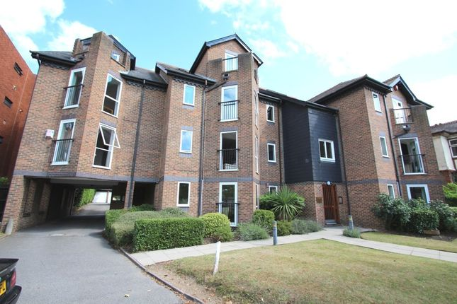 Thumbnail Flat to rent in Portsmouth Road, Kingston Upon Thames