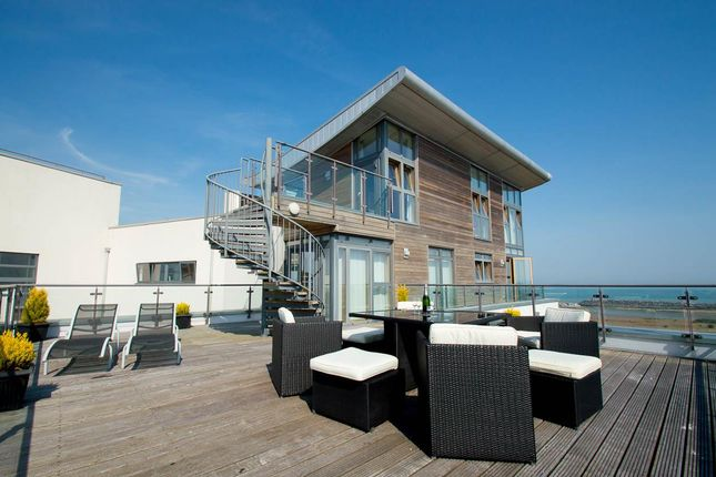 Thumbnail Flat for sale in Midway Quay, Eastbourne