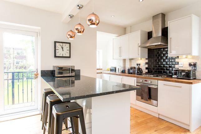 Kitchen of Shaftesbury Avenue, Leeds LS8