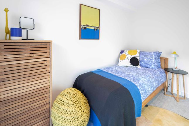 4 bedroom flat for sale in 66 Dalston Lane, London