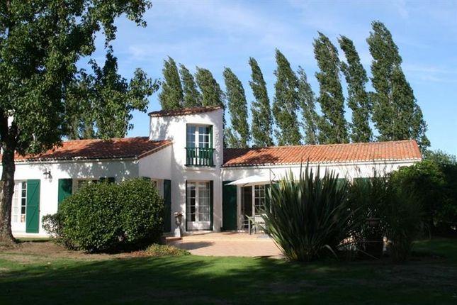 Thumbnail Property for sale in La Roche Posay, Poitou-Charentes, France