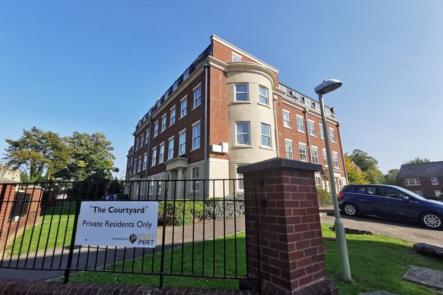 Thumbnail Flat for sale in London Road, Gloucester