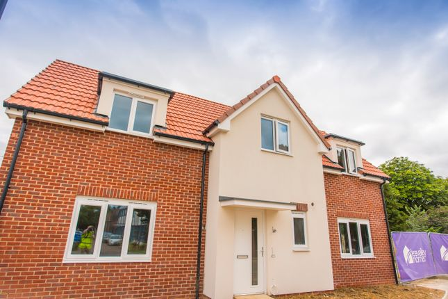 Thumbnail Detached house for sale in Longwick Road, Princes Risborough