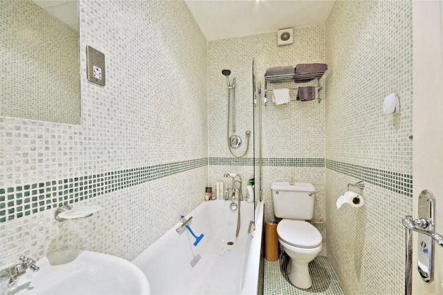 Bathroom of Elgin Avenue, Maida Vale, London W9