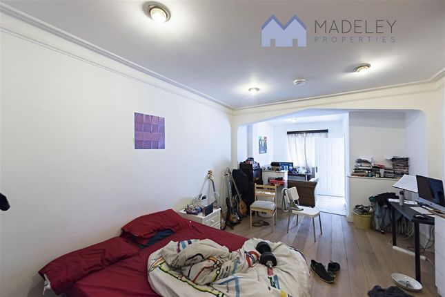 Property to rent in Brunswick Road, London