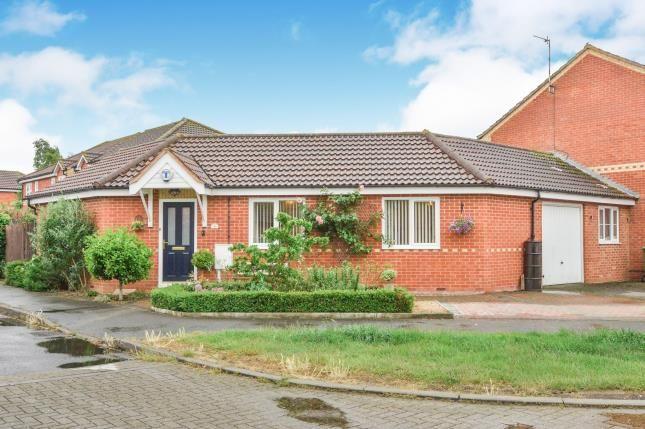 Thumbnail Bungalow for sale in Wymondham, Monkston, Milton Keynes, Buckinghamshire