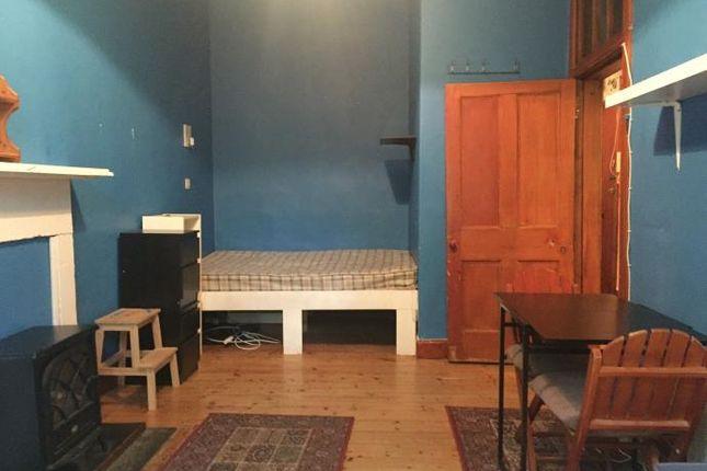 Studio to rent in St. Leonards Street, Edinburgh EH8
