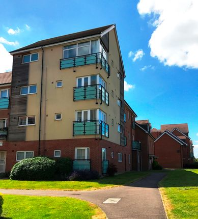 Thumbnail Flat to rent in Leyland Road, Dunstable