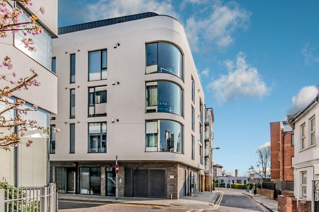 Thumbnail Flat for sale in Regent Street, London