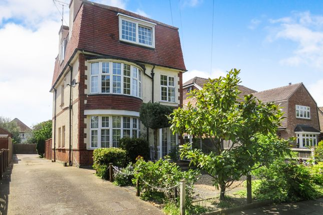 Thumbnail Flat for sale in Lancaster Gardens West, Clacton-On-Sea