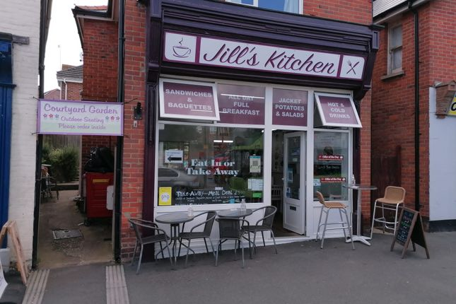 Thumbnail Restaurant/cafe to let in Avenue Road, Freshwater